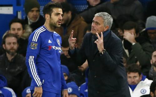 Fabregas là người thân cận của Mourinho. Ảnh: AFP.
