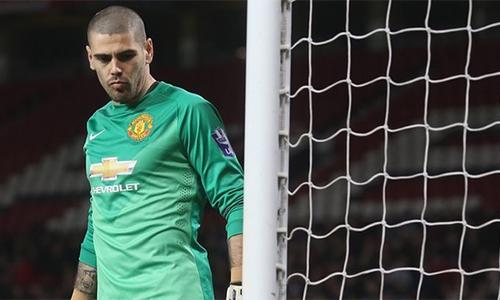 Valdes đã không thể tìm được chỗ đứng ở Old Trafford và phải ra đi để vực lại sự nghiệp. Ảnh: AFP.