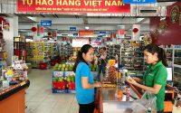 """Vì sao người Việt từ """"chiếu cố"""" đến """"tìm dùng"""" hàng Việt?"""
