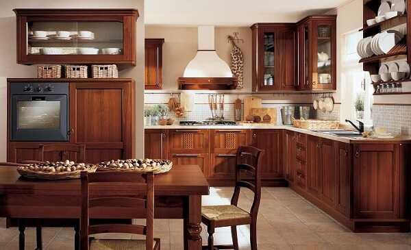 Nên dùng tủ bếp gỗ tự nhiên hay gỗ công nghiệp